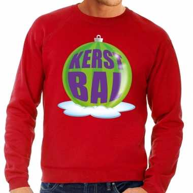 eda10ed6e7a Foute feest kerst sweater met groene kerstbal op rode sweater voor ...